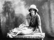 La comtesse Constance Markievicz (4 février 1868 - 15 juillet 1927), est une nationaliste et révolutionnaire irlandaise. D'origine aristocratique, rien ne la prédestinait à prendre la défense des plus pauvres, et les armes pour la cause irlandaise. Elle fut emprisonn à plusieurs reprises. Elle est une des femmes les plus admirées d'Irlande