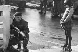 Guerre civile en Irlande di Nord René Burry Magnum 1964
