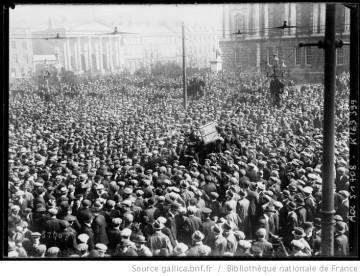 En Irlande , manifestation contre les partisans de l'anti conscription Auteur : Agence Rol. Date d'édition : 1918 Archives BNF