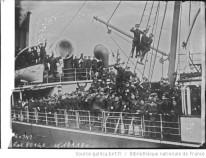 Troupes anglaises quittant l' Irlande Auteur : Agence Rol. Date d'édition : 1922 Archives BNF